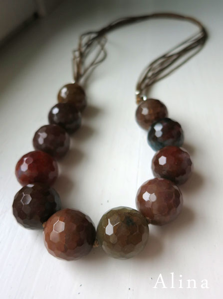 Faceted 20 mm agate necklace with cotton cord
